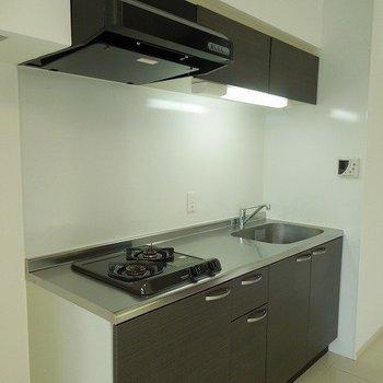 キッチン※写真は同間取り別部屋のものです。