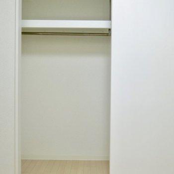 収納もシンプル※写真は反転間取り別部屋のものです。