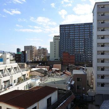 街中ビューです(写真は6階からの眺望です)
