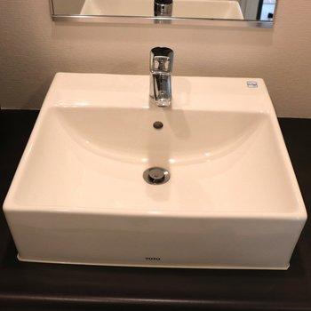 真四角で使いやすい手洗い場