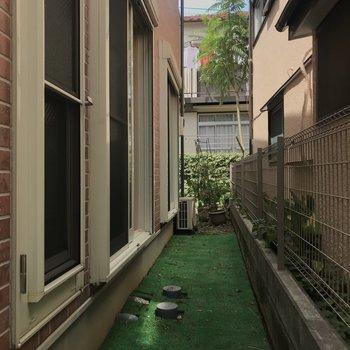 1階の庭のようなスペース