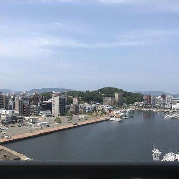 眺望が素敵・・・(※写真は13階の部屋からの眺望です)