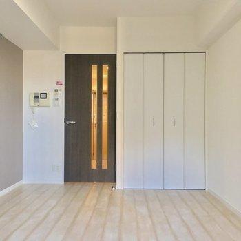 扉の奥にキッチン待ってます!※7階同じ間取り別部屋の写真です