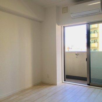 明るさ十分です。※7階同じ間取り別部屋の写真です