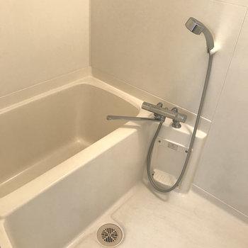 浴室もシンプルでキレイ!