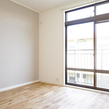 【イメージ】寝室もあかるい空間!※写真は別部屋同間取りの写真になります。