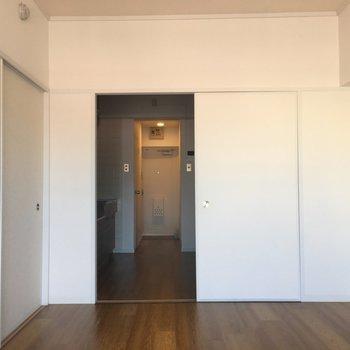 洋室から見てみるとこんな感じ。