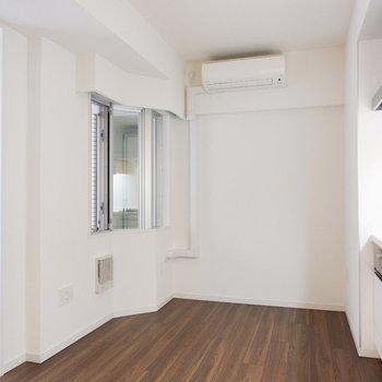 ゆったりワンルームのようにも使えます!※7階の反転間取り別部屋の写真です