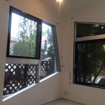 ピタゴラ窓