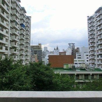 風通しはバッチリ※写真は同階、別部屋からの眺望です。
