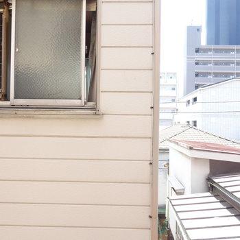 眺めはお隣さん。