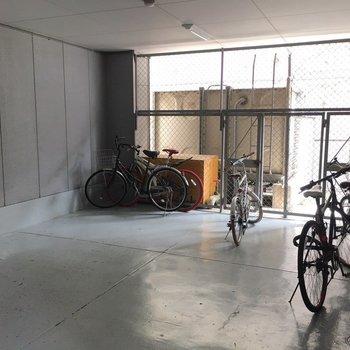 自転車置き場はオートロックを入った中にあるので、安心