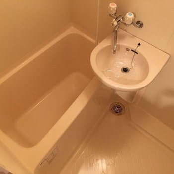 2点ユニットです。隙間がないタイプなのでお掃除も簡単(※写真は7階の同間取り別部屋のものです)