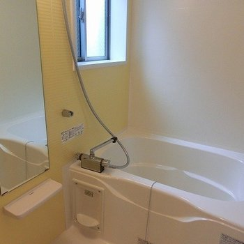浴室乾燥に追い焚きつき。※写真は前回募集時のものです。