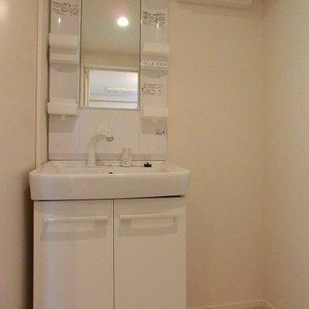 シャワーノズル付洗面台。※写真は前回募集時のものです。