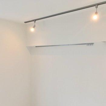 スポットライト照明で華やかな雰囲気になりますね〜※写真は7階の同間取りのお部屋です。