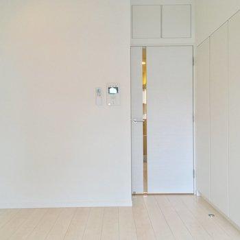 今度はバルコニー側から※写真は7階の同間取りのお部屋です。