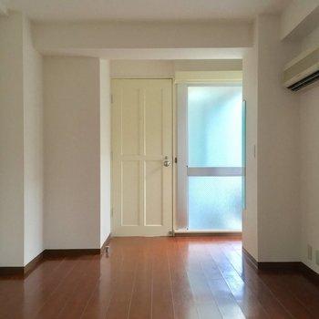 寝室の入口側には※2階別部屋反転似た間取りです。