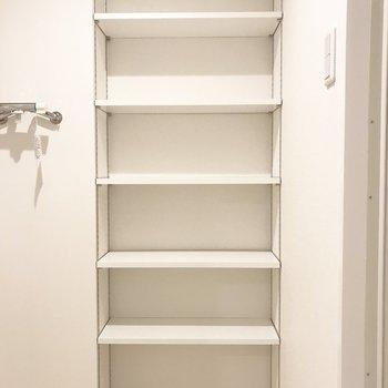脱衣所の棚!十分に入ります◎※写真は別部屋です