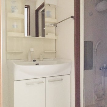 清潔な洗面台