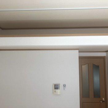 天井が高く、上にスペースがあります!あまり使わない物をしまいましょう