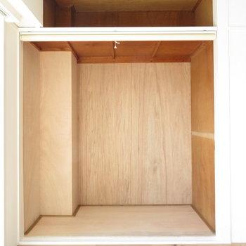 収納も相当大きくとれますよ!※写真は工事中のものとなっております ※写真は2階の同間取りのお部屋です。