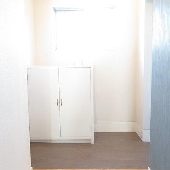 玄関スペースも大きいです。※写真は工事中のものとなっております ※写真は2階の同間取りのお部屋です。