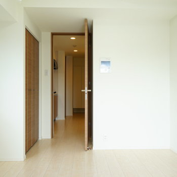 シンプルなお部屋です!※写真は7階の同じ間取り別部屋