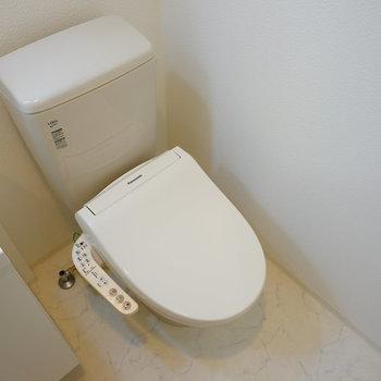 トイレはウォシュレットつき♪※写真は7階の同じ間取り別部屋