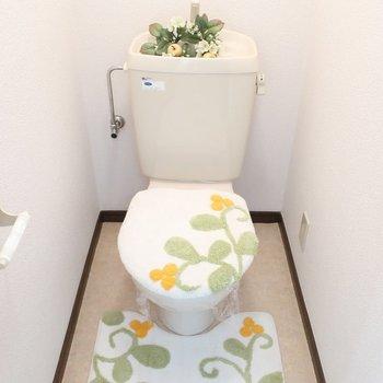 トイレはカバーで彩るの※写真は2階の反転間取り別部屋、モデルルームのものです