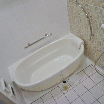 浴室も広々しています