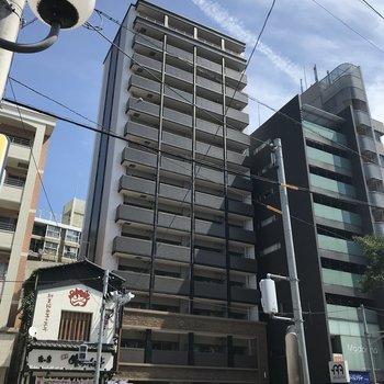 六本松駅からすぐのところにあるマンションです。
