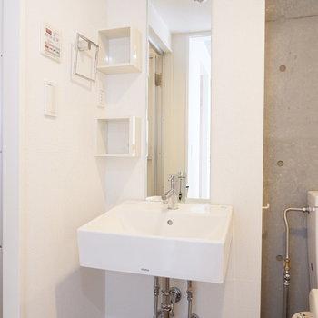 シンプルで可愛い洗面台。