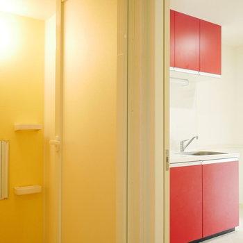 玄関→脱衣室→キッチンと回遊できます!