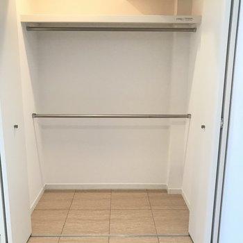 キッチン横にはこんなにも広い収納スペースが!