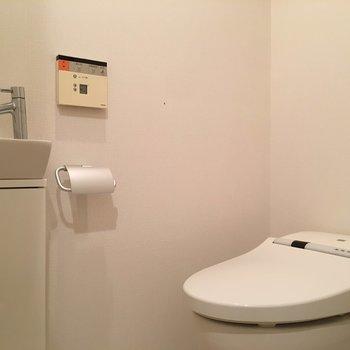 お手洗いはシンプルですが十分な機能。
