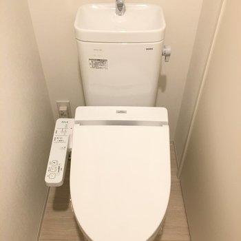 お手洗いはウォシュレット付き!