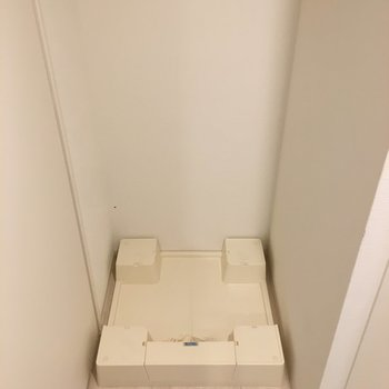 洗濯機置場は室内ですね。