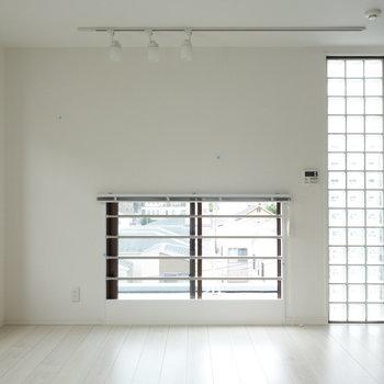 こちらも窓があって、快適ですね。 ※クリーニング中の写真です