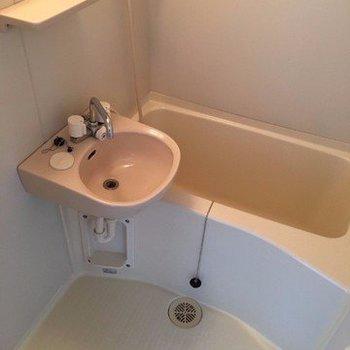 お風呂は2点ユニット※写真は9階の同じ間取りの別部屋