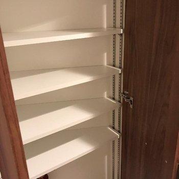 靴箱もちゃんとありました。※写真は13階の同間取り別部屋です。