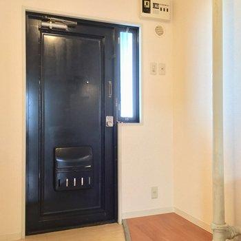 このパイプがチャームポイントだよん ※同階同間取りの別部屋の写真です