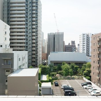 眺望はマンションたちが見えますよ。