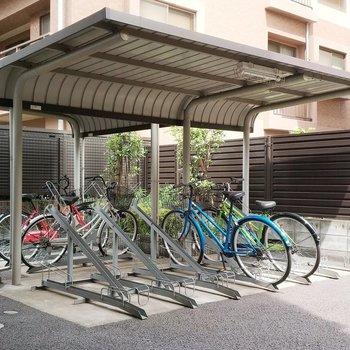 駐輪場もしっかりと自分のスペースが確保されています。