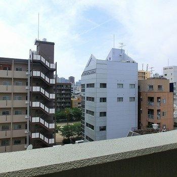 都会の眺めですね。※写真は同間取り別部屋のものです。