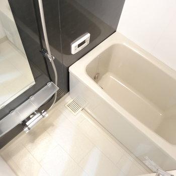 お風呂は追い炊き、浴室乾燥付きです※写真は類似間取り別部屋です。
