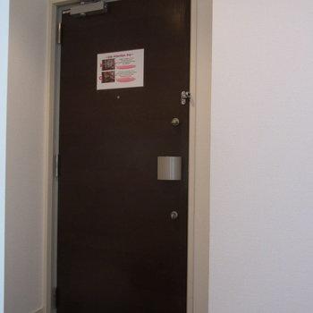 茶色の玄関