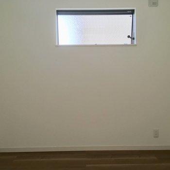 コチラは約5帖の洋室※1階の同間取り別部屋の写真です