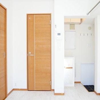 床材も店舗用の綺麗なものを使用されています。 ※4階同間取りの別部屋の写真です