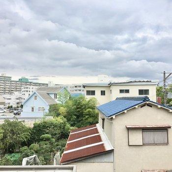 眺望は桃山台の街並み。